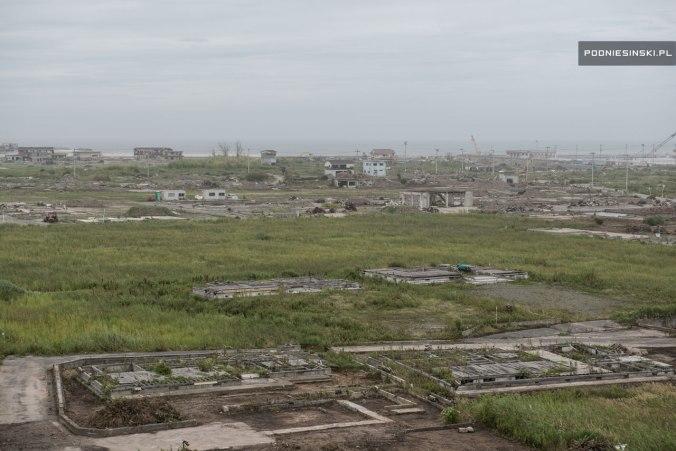 Cenário de destruição e abandono causado pelo tsunami